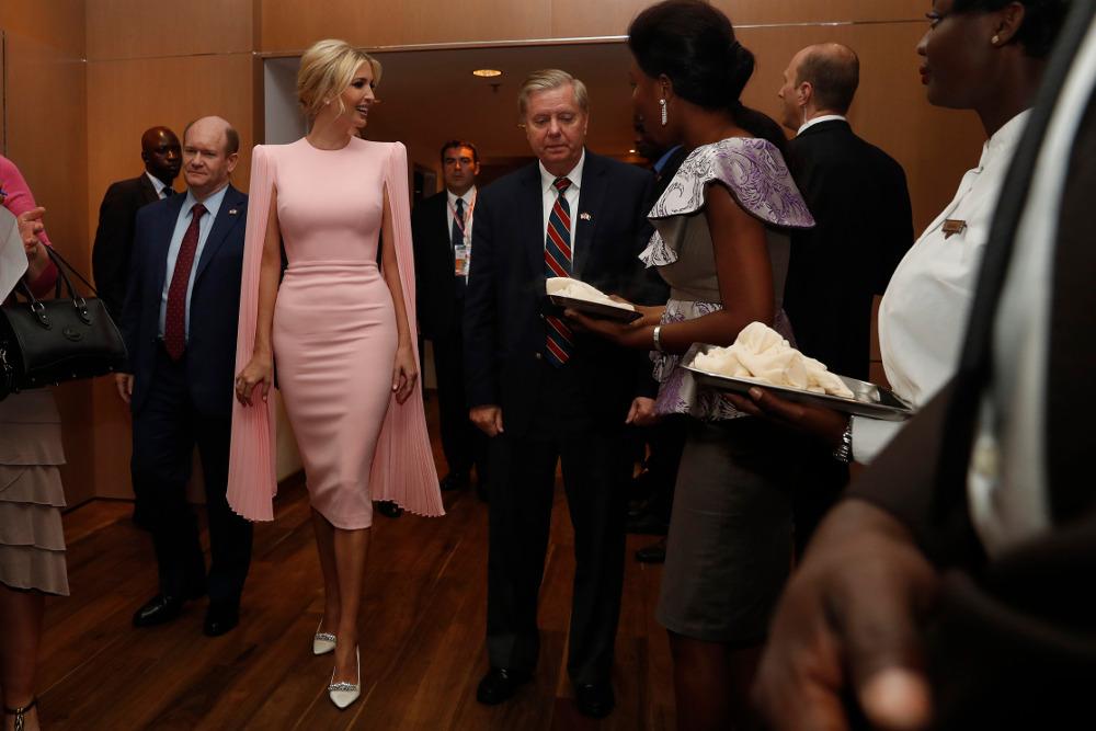 Το φουτουριστικό φόρεμα αξίας 2.289 δολαρίων