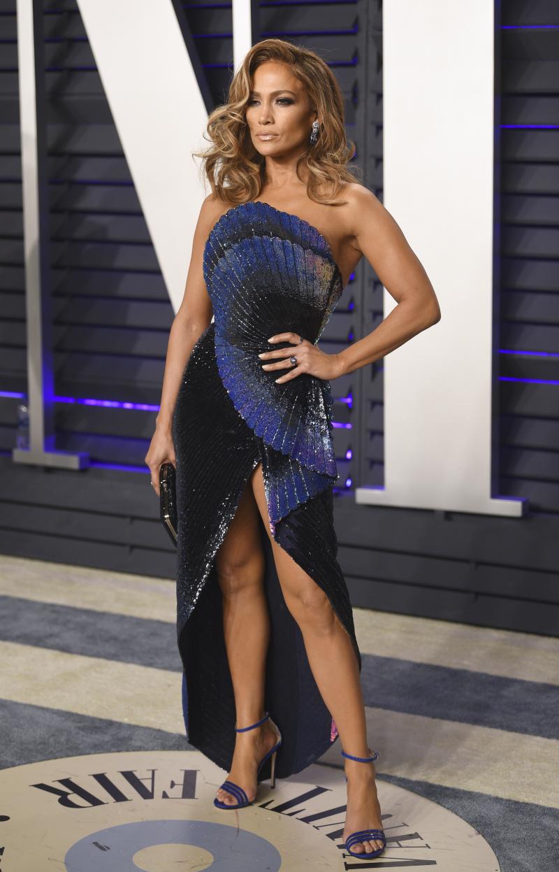 Τζενιφερ Λόπεζ με μπλε φόρεμα