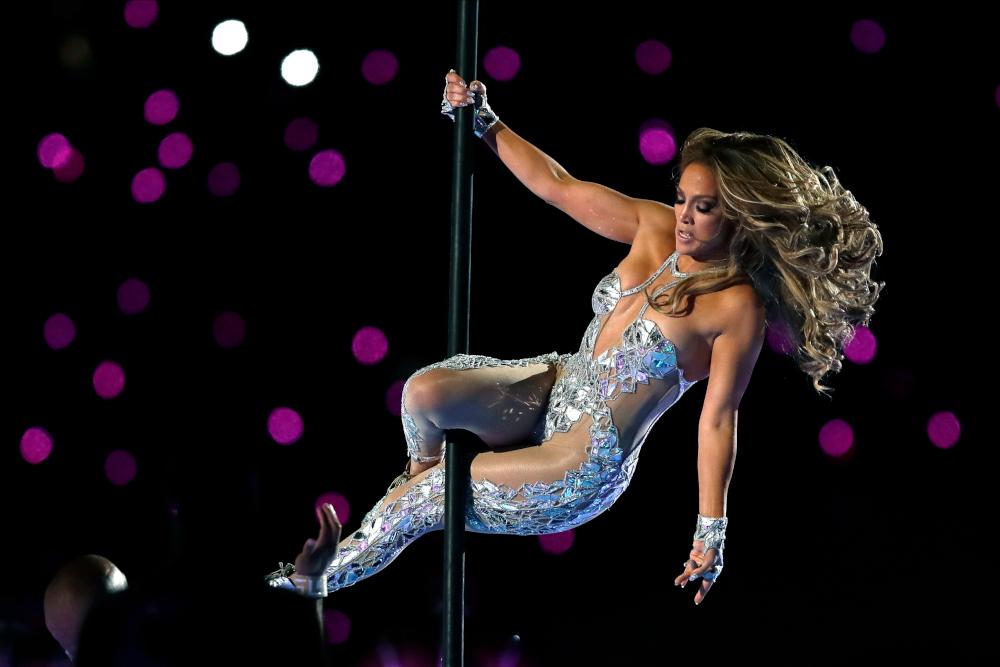 Η Τζένιφερ Λόπεζ κάνει pole dancing