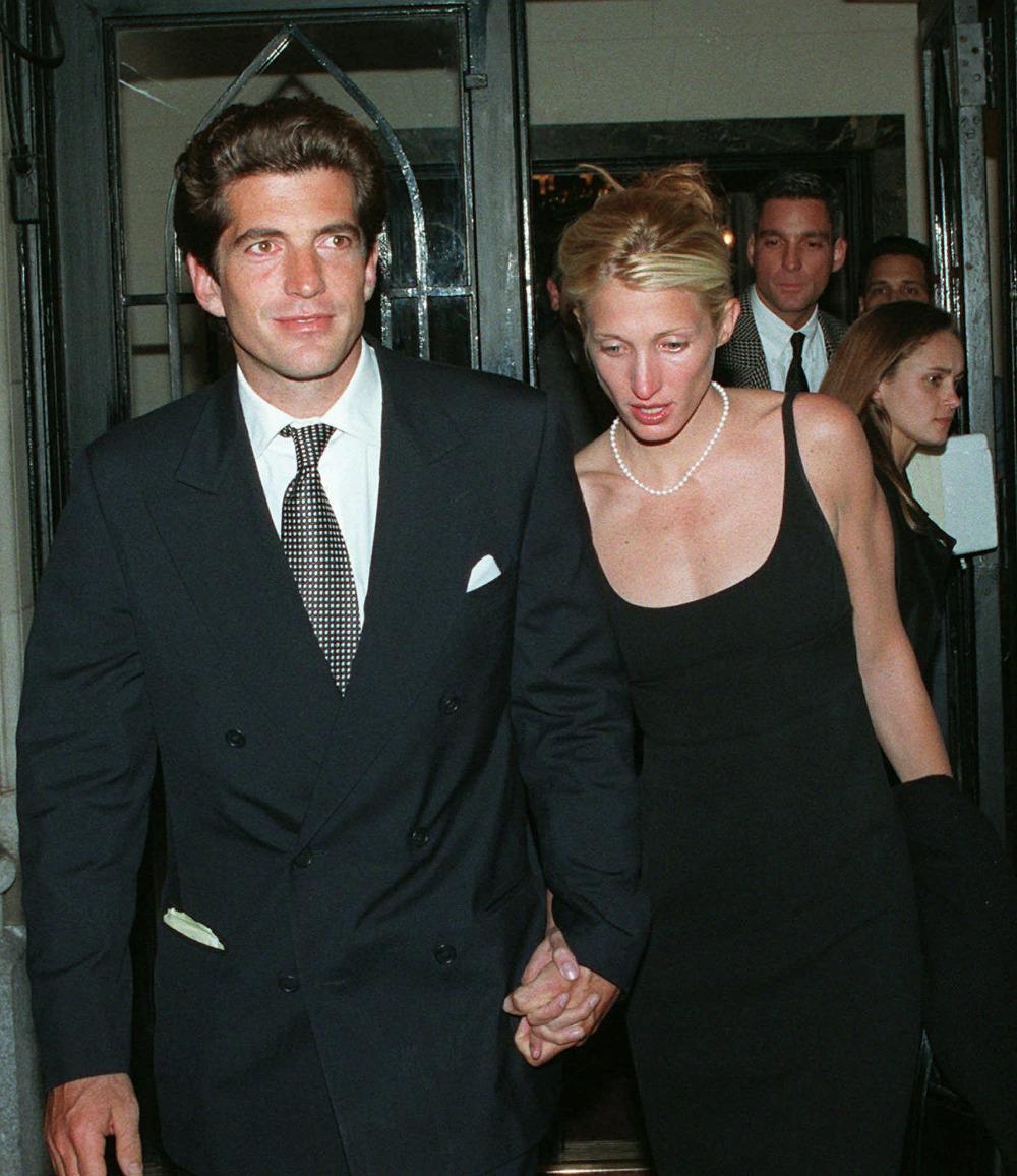 Ο Τζον Κένεντι Τζούνιορ ήθελε να πετάξει εκείνο το βράδυ για να βρίσκεται την επόμενη ημέρα στον γάμο της ξαδέρφης του με την σύζυγό του