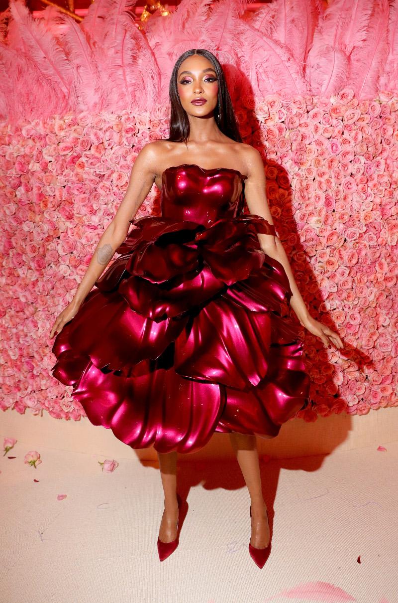 Το απίστευτο φόρεμα λουλούδι του Zac Posen στο Met Gala 2019