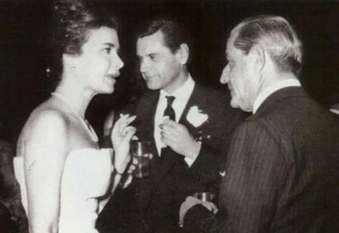 Καρέζη, Χατζηφωτίου στη δεξίωση του γάμου τους με τον Σταύρο Νιάρχο