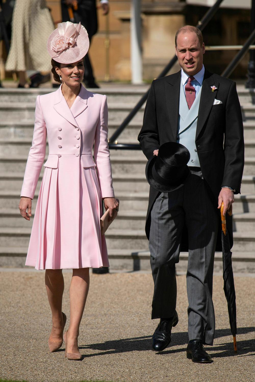 Ο πρίγκιπας Γουίλιαμ και η Κέιτ Μίντλετον με ροζ φόρεμα σε επίσημη εκδήλωση