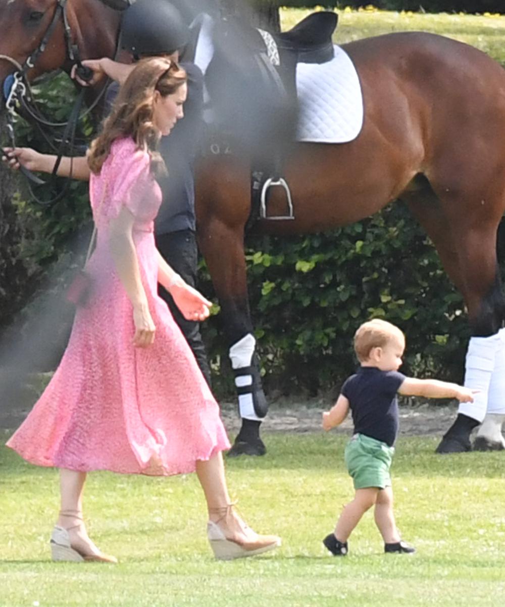 Η Κέιτ Μίντλετον δεν έπαψε λεπτό να τρέχει πίσω από τον πρίγκιπα Λούις