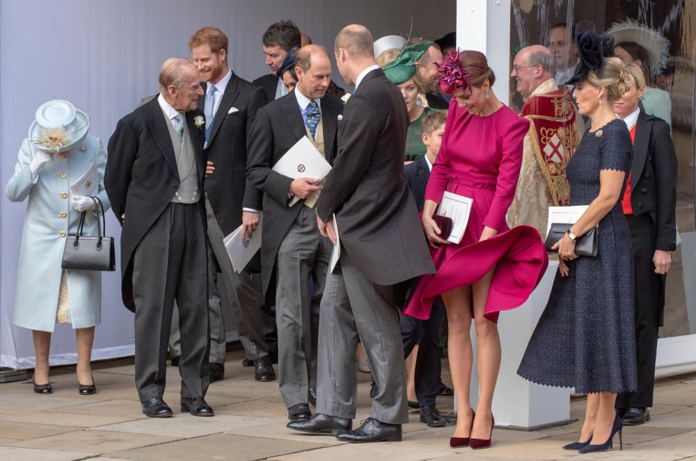 Η Κέτι Μίντλετον με φούξια φόρεμα στο γάμο της πριγκίπισσας Ευγενίας