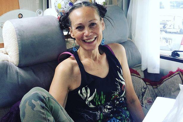 Η Leah Bracknell χτυπημένη από τον καρκίνο