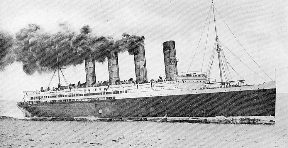κρουαζιερόπλοιο Λουζιτάνια, από τη βύθιση του οποίου γλίτωσε ο Τζορτζ Μποσάμπ μετά το ναυάγιο του Τιτανικού.