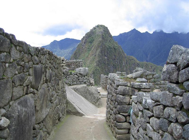Οι Ίνκας χρησιμοποίησαν τους σπασμένους βράχους των ρηγμάτων για να κατασκευάσουν χωρίς κονίαμα το Μάτσου Πίτσου.