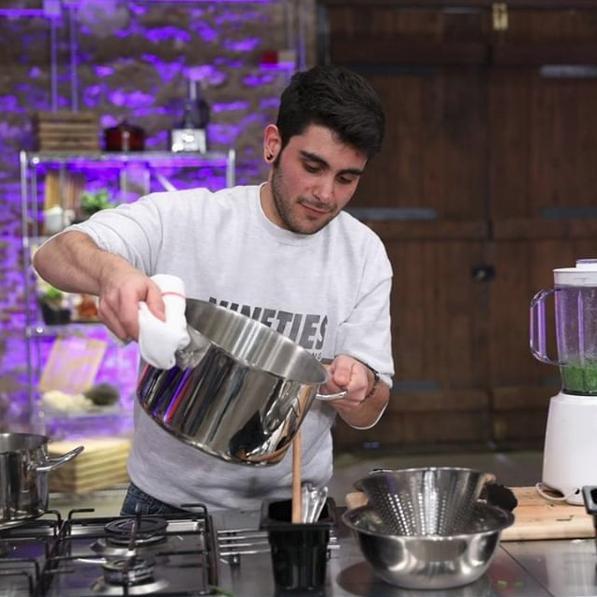 Ο Μανώλης Σαρρής μαγειρεύει στην audition