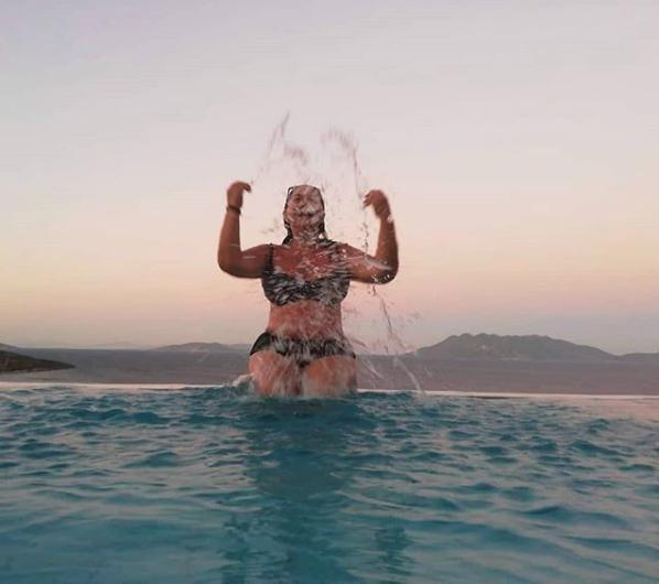 Η Μαρία Φιλίππου σε χαλαρές στιγμές στις διακοπές της