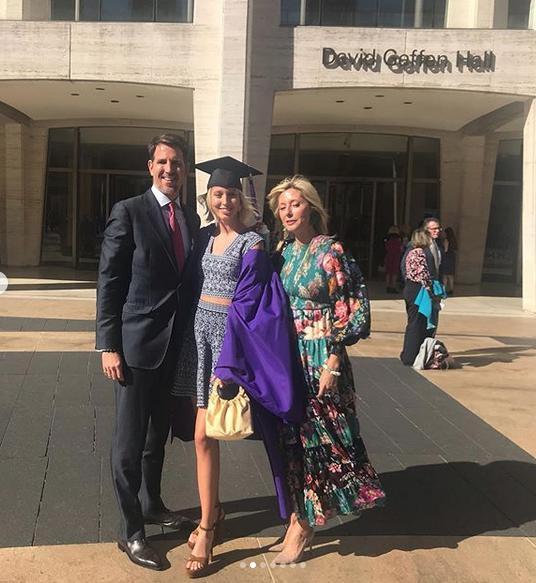 Η Μαρία Ολυμπία με τους περήφανους γονείς της, Παύλο και Μαρί Σαντάλ