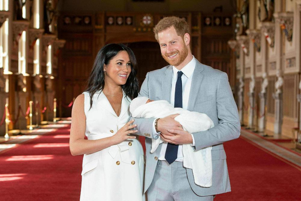 Η Μέγκαν Μαρκλ και ο πρίγκιπας Χάρι στην πρώτη παρουσίαση του νεογέννητου γιου τους