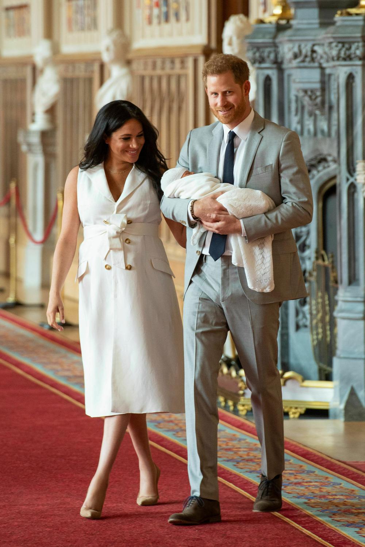 Η Μέγκαν Μαρκλ με τον πρίγκιπα Χάρι και τον νεογέννητο γιο τους