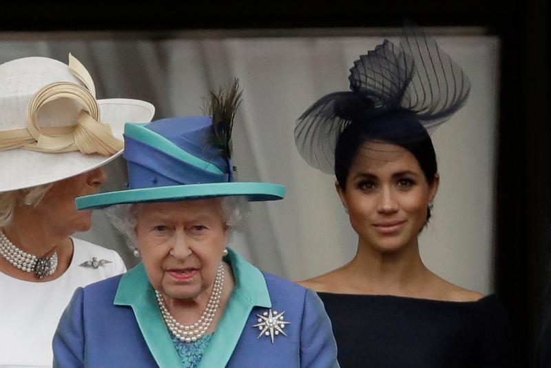 Η Βασίλισσα ΕΛισάβετ με την Μέγκαν Μαρκλ
