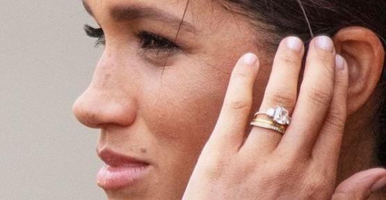 Οι θαυμαστές της βασιλικής οικογένειας παρατήρησαν τις αλλαγές στο δαχτυλίδι αρραβώνων της από την εμφάνισή της στην εκδήλωση Trooping The Colour
