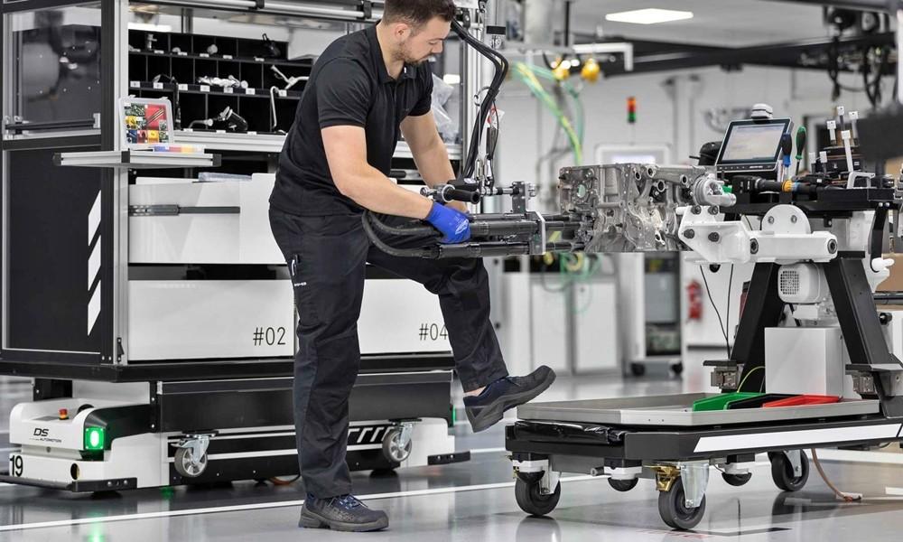 Σε πρώτη φάση οι Γερμανοί θα εφοδιάσουν με το συγκεκριμένο μοτέρ τη νέα Mercedes-AMG A 45
