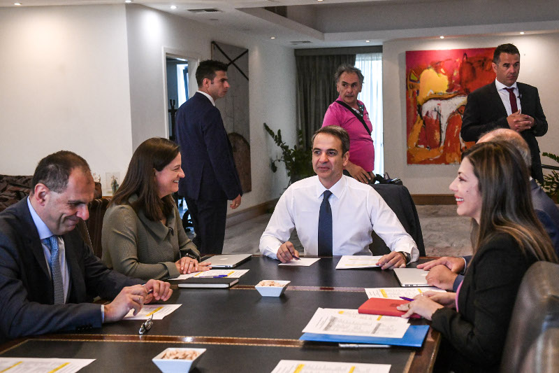 Σύσκεψη του Κυριάκου Μητσοτάκη στο Υπουργείο Παιδεία