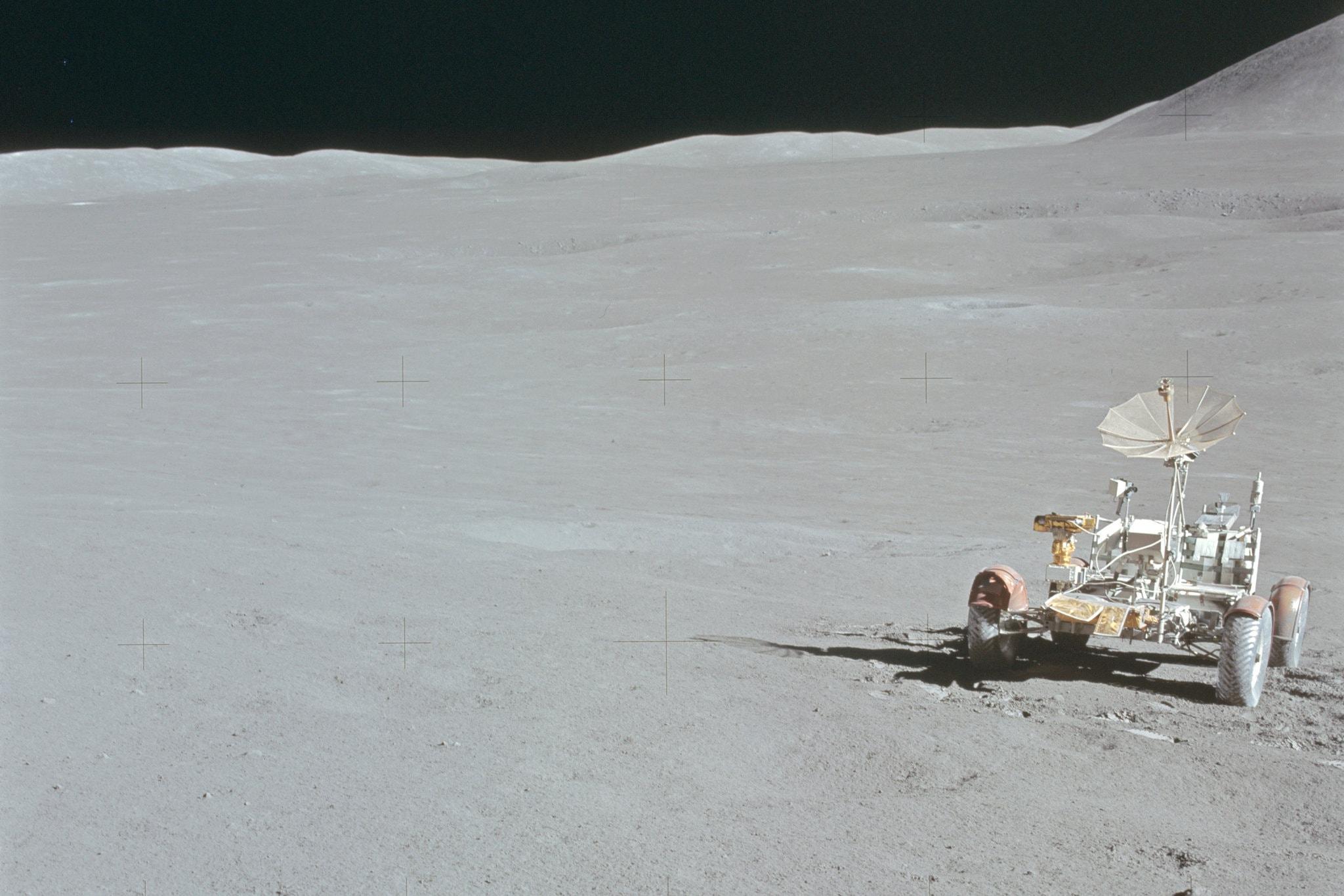 Σεληνιακό ρόβερ που άφησε πίσω της η αποστολή Apollo 15 το 1971.