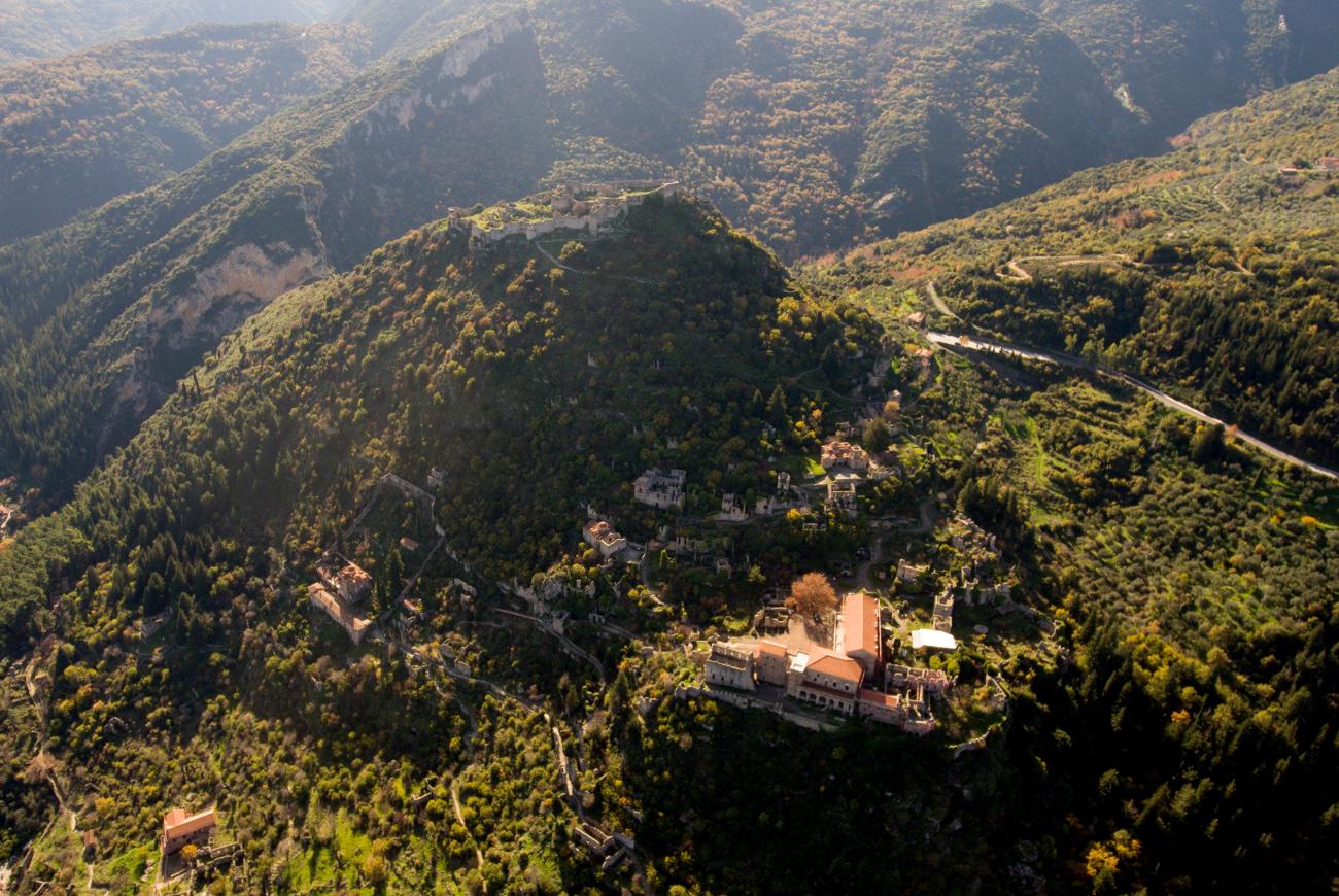 Αεροφωτογραφία της καστροπολιτείας του Μυστρά στον Ταϋγετο.