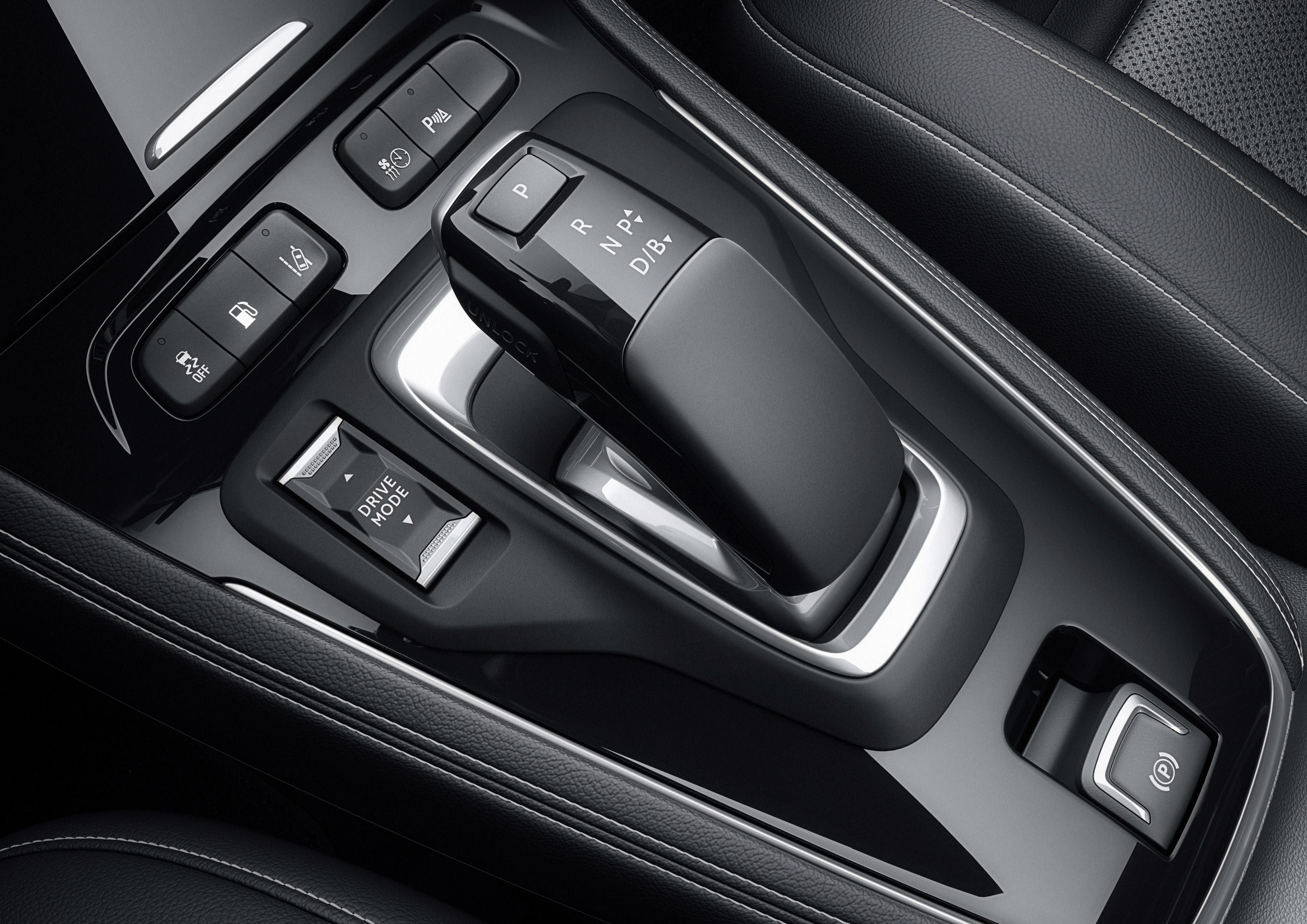 Η επιλογή της τετρακίνησης (AWD mode) ενεργοποιεί έναν ηλεκτροκίνητο πίσω άξονα για μέγιστη πρόσφυση