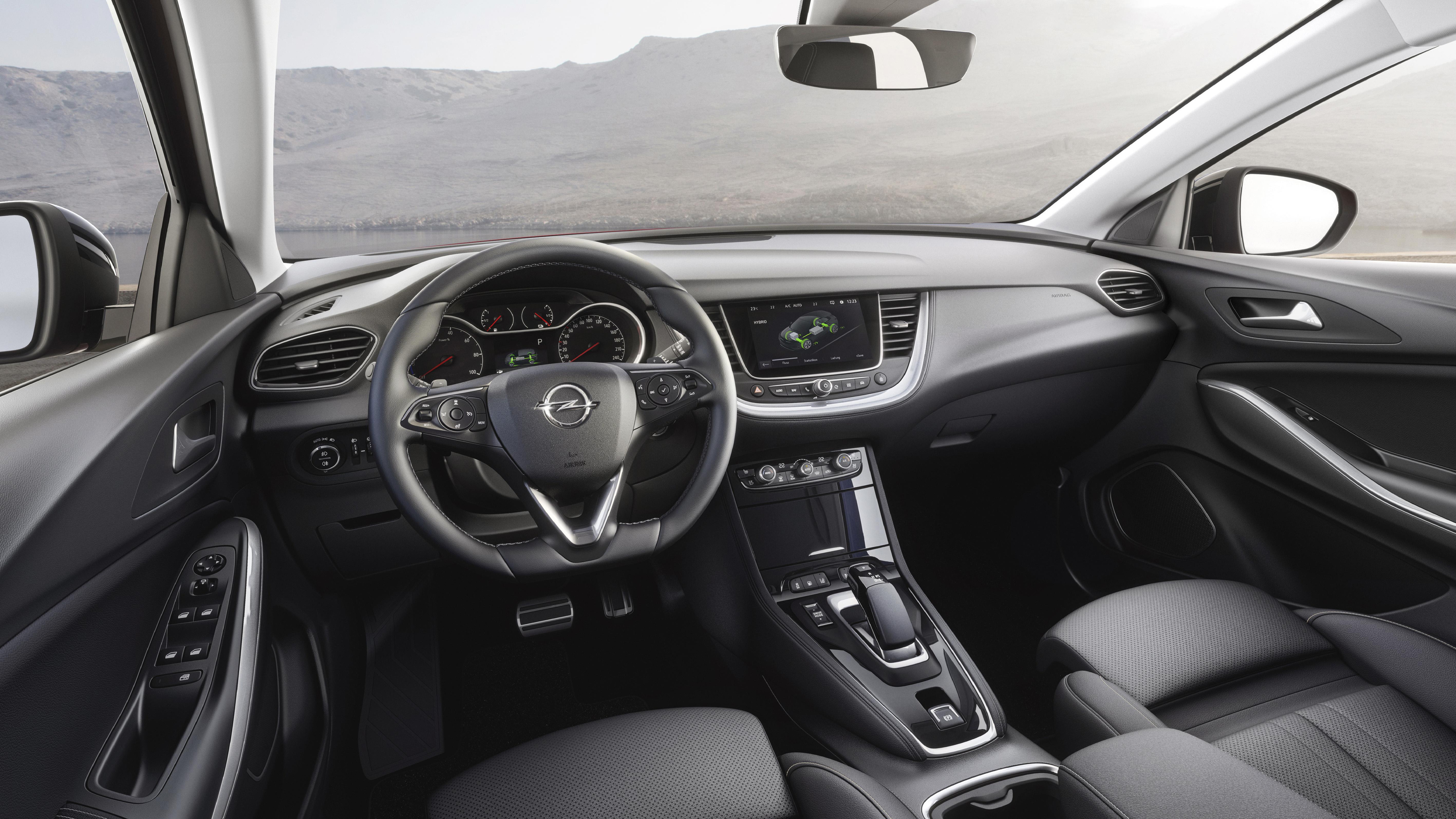 Ομορφο εσωτερικό για το Grandland X Hybrid4