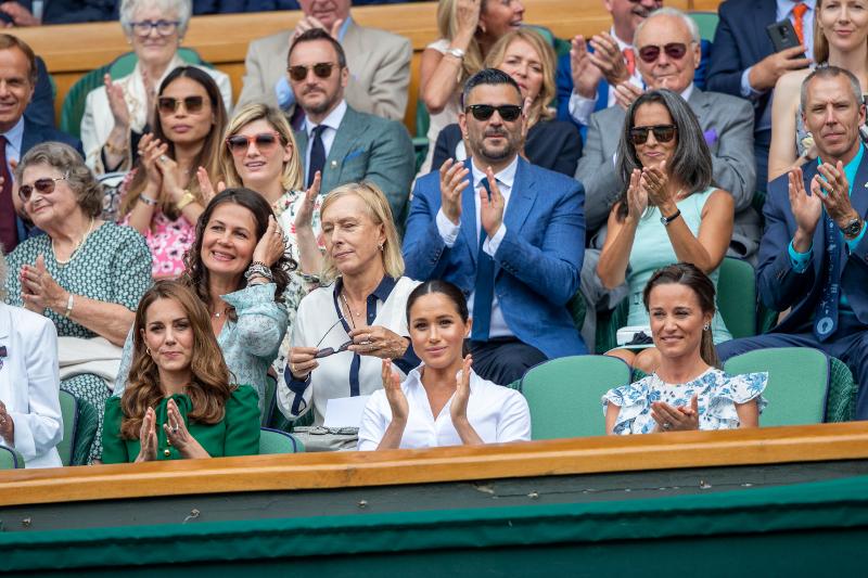 Η Πίπα Μίντλετον είναι φαν και του τένις - Μαζί με την αδερφή της, Κέιτ Μίντλετον και την Μέγκαν Μαρκλ παρακολούθησαν αγώνα στο Γουίμπλεντον