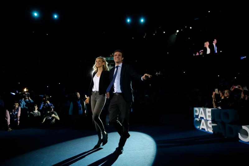 Ο ηγέτης του Λαϊκού Κόμματος, Πάμπλο Κασάδο στην τελευταία προεκλογική συγκέντρωση χθες Παρασκευή στη Μαδρίτη
