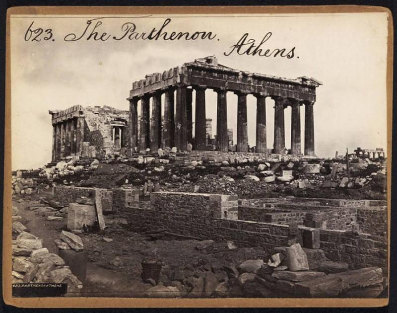 Μία από τις παλαιότερες σωζόμενες φωτογραφίες της Ακρόπολης