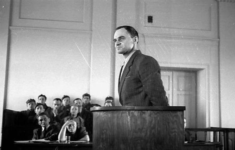 Ο Βίτολντ Πιλέτσκι στο εδώλιο του κατηγορουμένου το 1948.