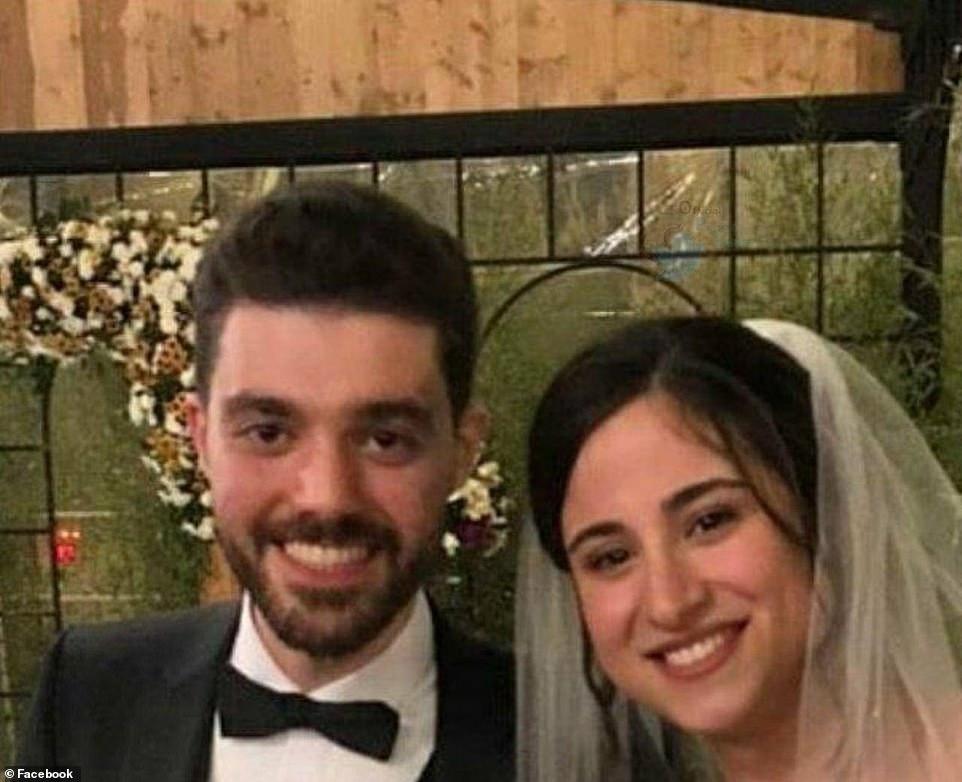 Οι νιόπαντροι Αράς Πουρζαραμπί και  Πουνέχ Γκορτζι ήταν μεταξύ των θυμάτων της αεροπορικής τραγωδίας στο Ιράν.