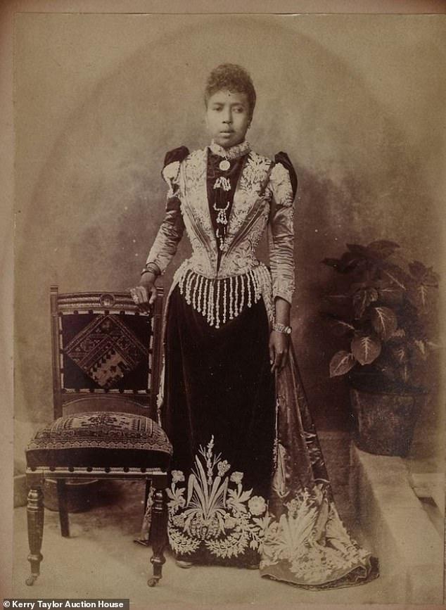 Η πριγκίπισσα Ramisindrazana, ήταν θεία της βασίλισσας