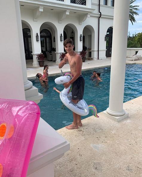 Ξένοιαστες διακοπές για την οικογένεια Μπέκαμ