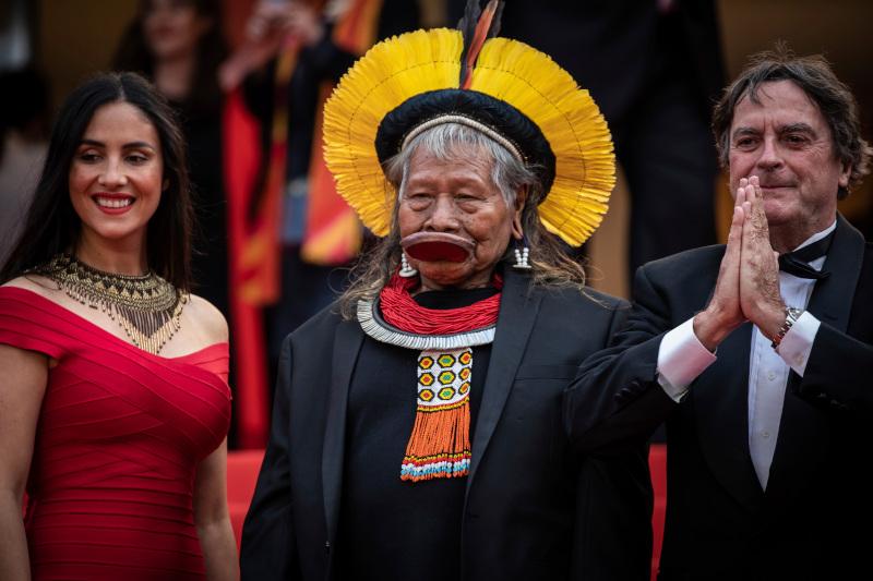 Ο ιθαγενής αρχηγός της φυλής Καγιάπο του Αμαζονίου, Ραονί Μετουκτίρε.