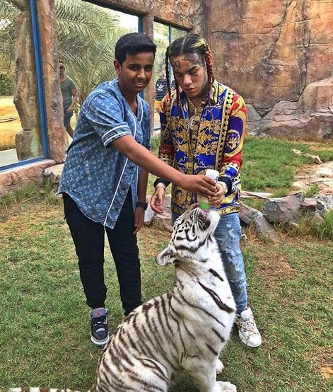 Ο Ρασίντ έχει ακόμη και ιδιόκτητο ζωολογικό κήπο