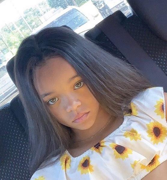 Το μικρό κορίτσι μοιάζει εκπληκτικά με την Ριάνα