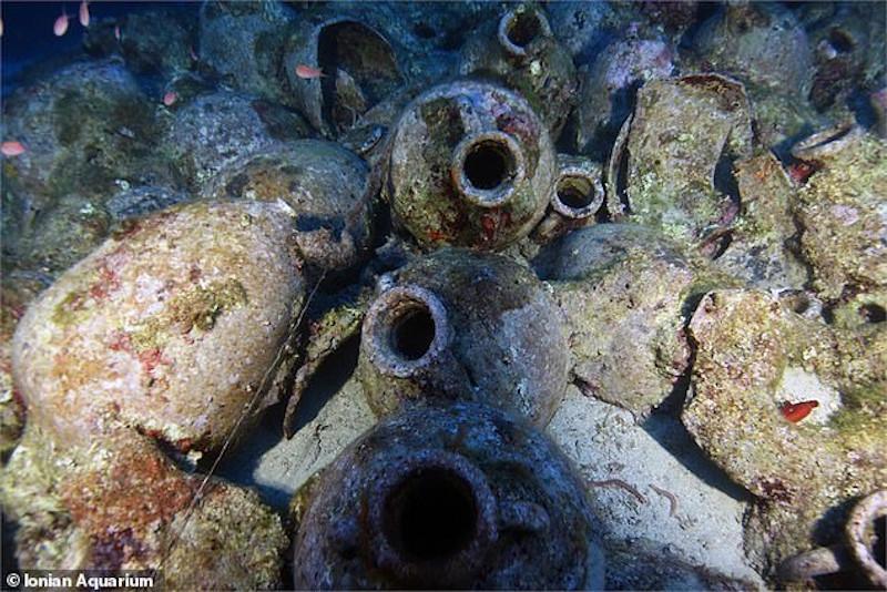 Από τη χρονολόγηση των αμφορέων οι ειδικοί μπόρεσαν να εκτιμήσουν την ηλικία του ρωμαϊκού ναυαγίου στο Φισκάρδο.