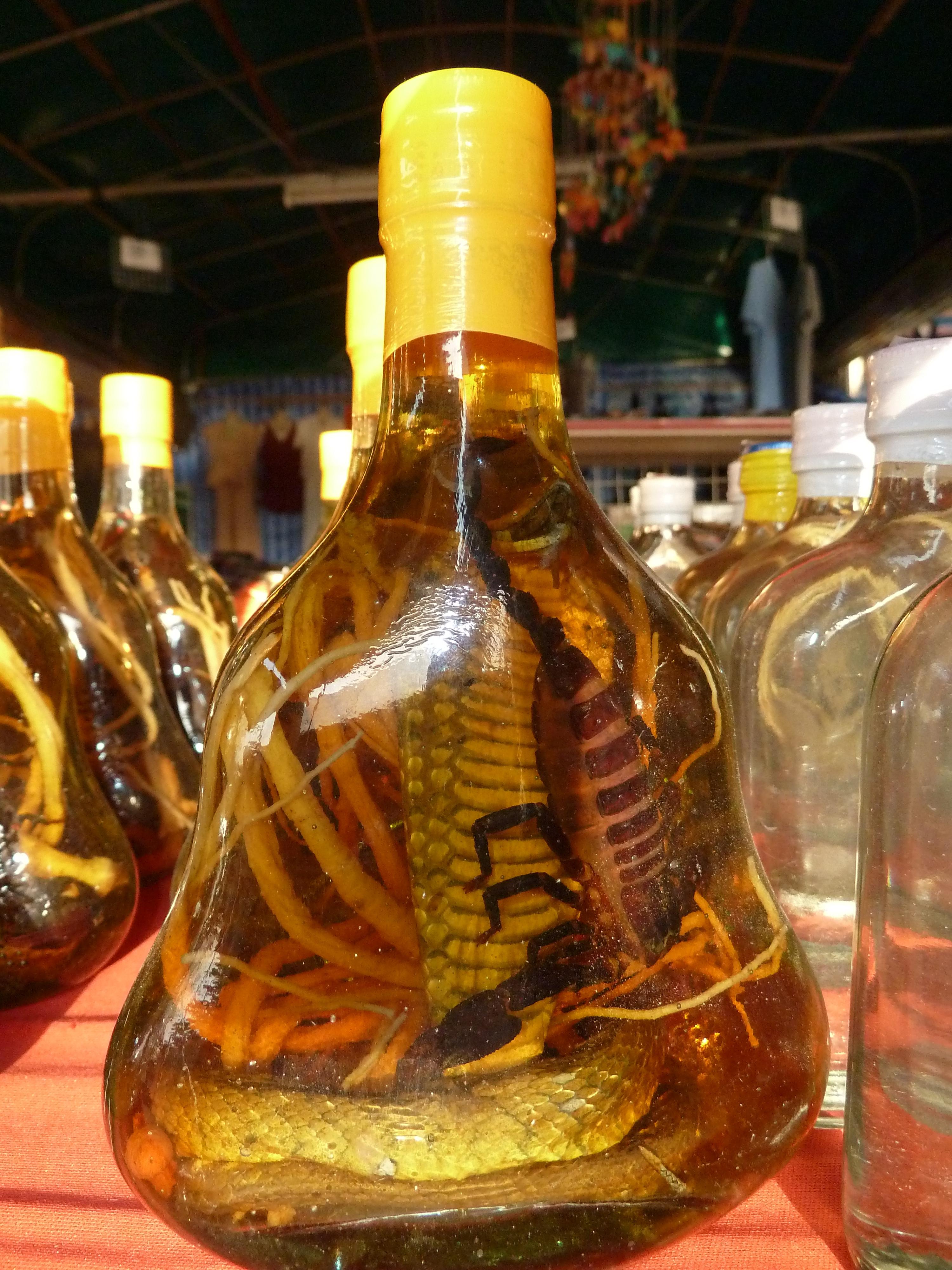 Το κρασί με φίδι παρασκευάζεται κυρίως στο Βιετνάμ.