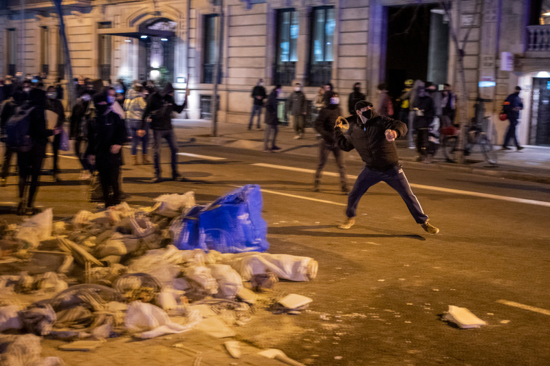 Spain clashes 1