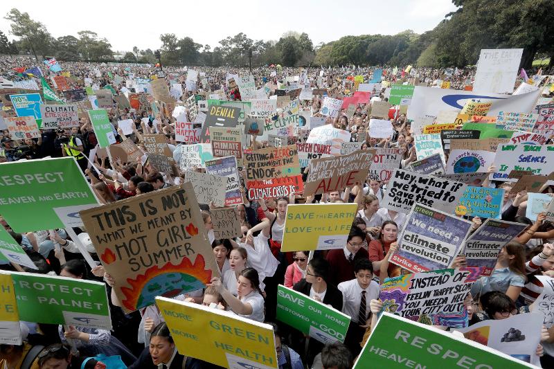 Κοσμοπλημμύρα στη διαδήλωση στο Σίδνεϊ κατά της κλιματικής αλλαγής.