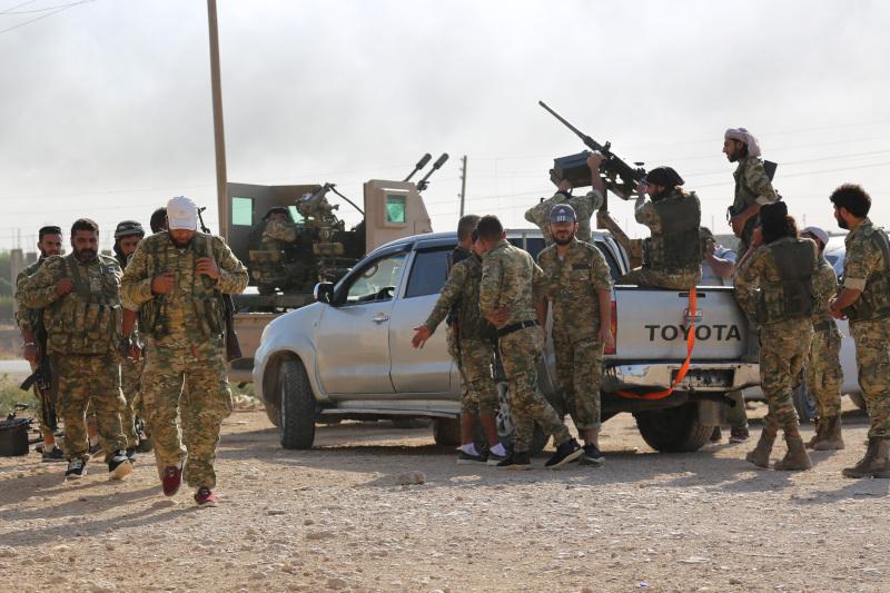 Σύροι αντάρτες - σύμμαχοι της Τουρκίας, στη Ρας αλ Άιν της βορειοανατολικής Συρίας.