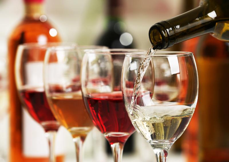 Τέσσερα ποτήρια κρασί