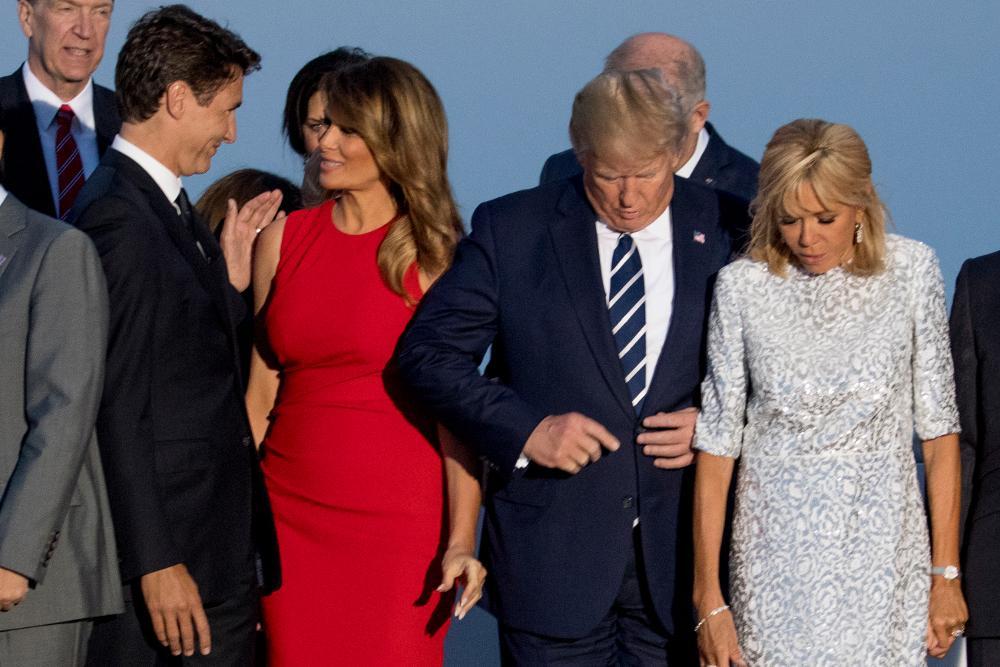 Κι όσο ο Ντόναλντ Τραμπ ψάχνει να βρει την θέση του, η Μελάνια δείχνει πολύ χαρούμενη με τον Τζάστιν Τριντό