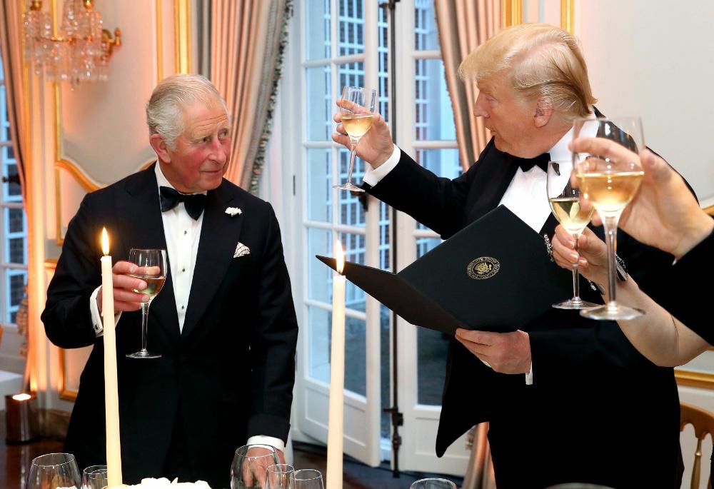 Σύντομες προπόσεις έκαναν ο πρίγκιπας Κάρολος και ο Ντόναλντ Τραμπ