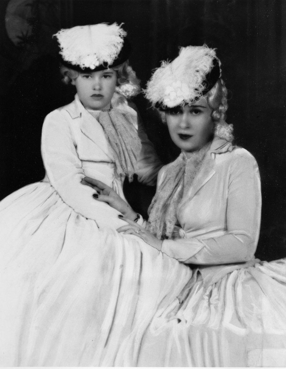 Η Γκλόρια Βάντερμπιλτ με την μητέρα της