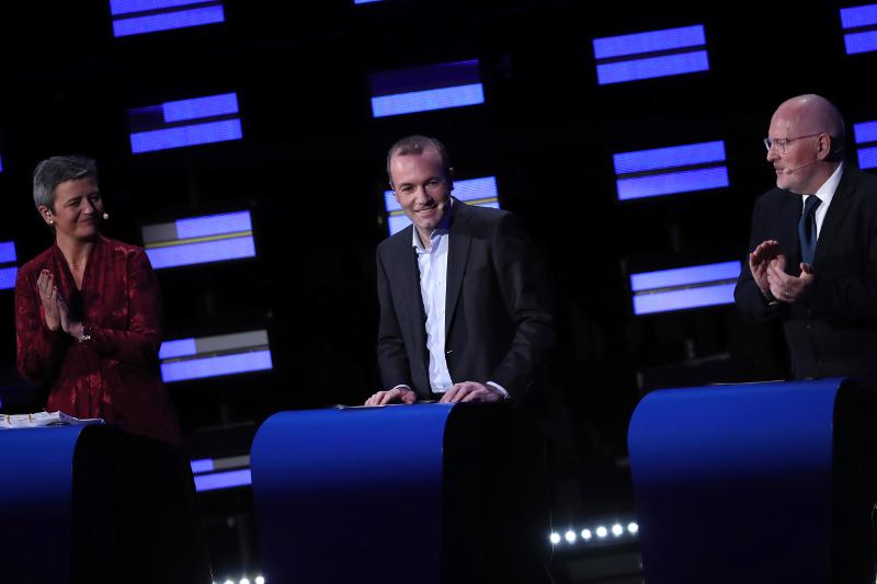 Μαργκρέτε Βεστάγκερ, Μάνφρεντ Βέμπερ και Φρανς Τίμερμανς στο ντιμπέιτ της 15ης Μαϊου μεταξύ των υποψηφίων για την προεδρία της Κομισιόν.