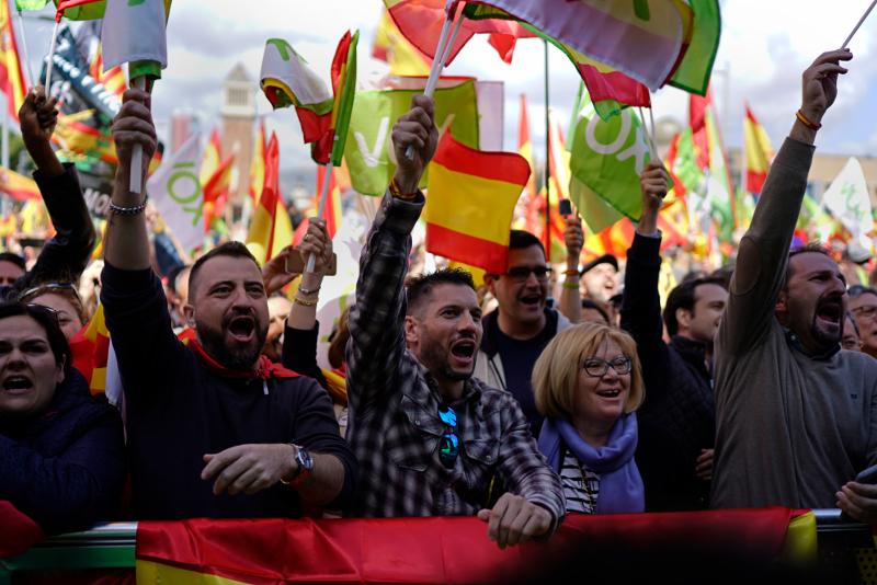 Οπαδοί του ακροδεξιού Vox σε πρόσφατη προεκλογική συγκέντρωση στη Βαρκελώνη