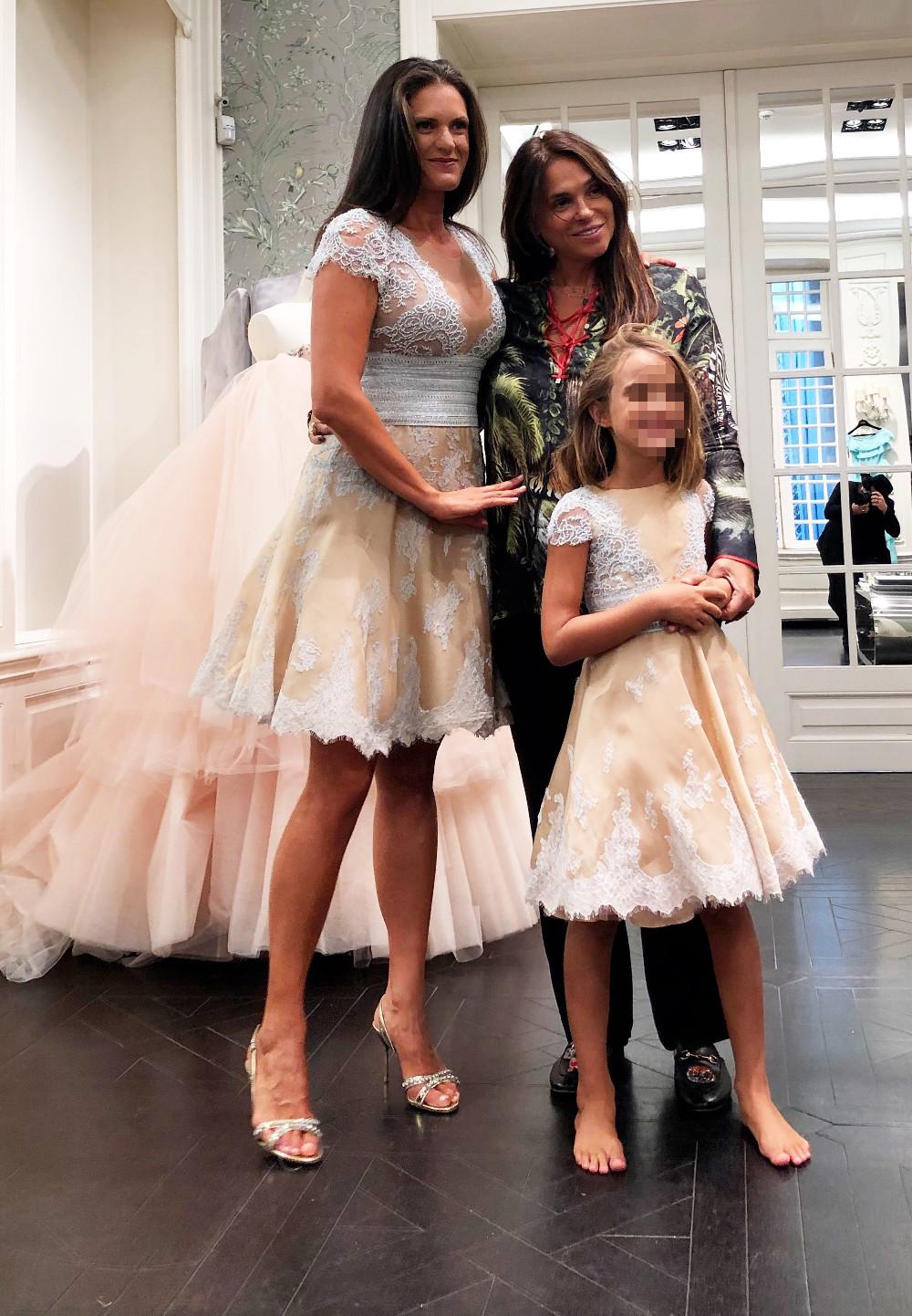 H Veronica και η Virgina Boccelli με την Celia Kritharioti στο ατελιέ της