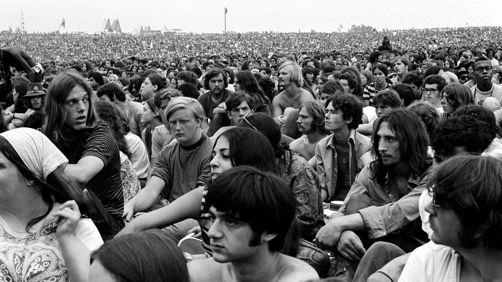 Mισό εκατομμύριο άνθρωποι μαζεύτηκαν σε μια μικρή φάρμα γαλακτοκομικών έξω από την Νέα Υόρκη, τον Αύγουστο του 1969