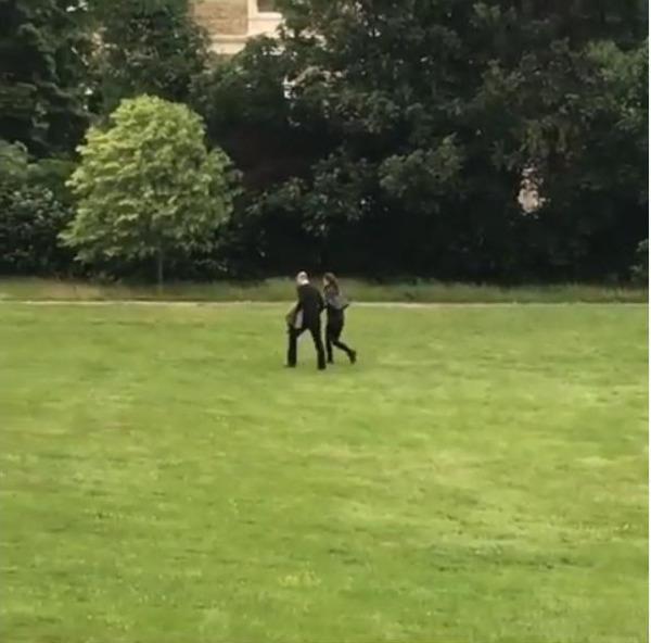 Ο πρίγκιπας Γουίλιαμ και η Κέιτ Μίντλετον επέστρεψαν σπίτι τους με ελικόπτερο