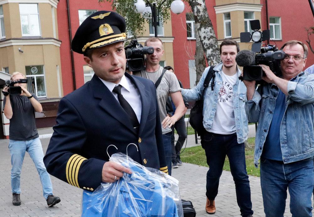 Ο ήρωας για τα ρωσικά ΜΜΕ, ο 41 ετών πιλότος δηλώνει πως έπραξε αυτό που χρειαζόταν